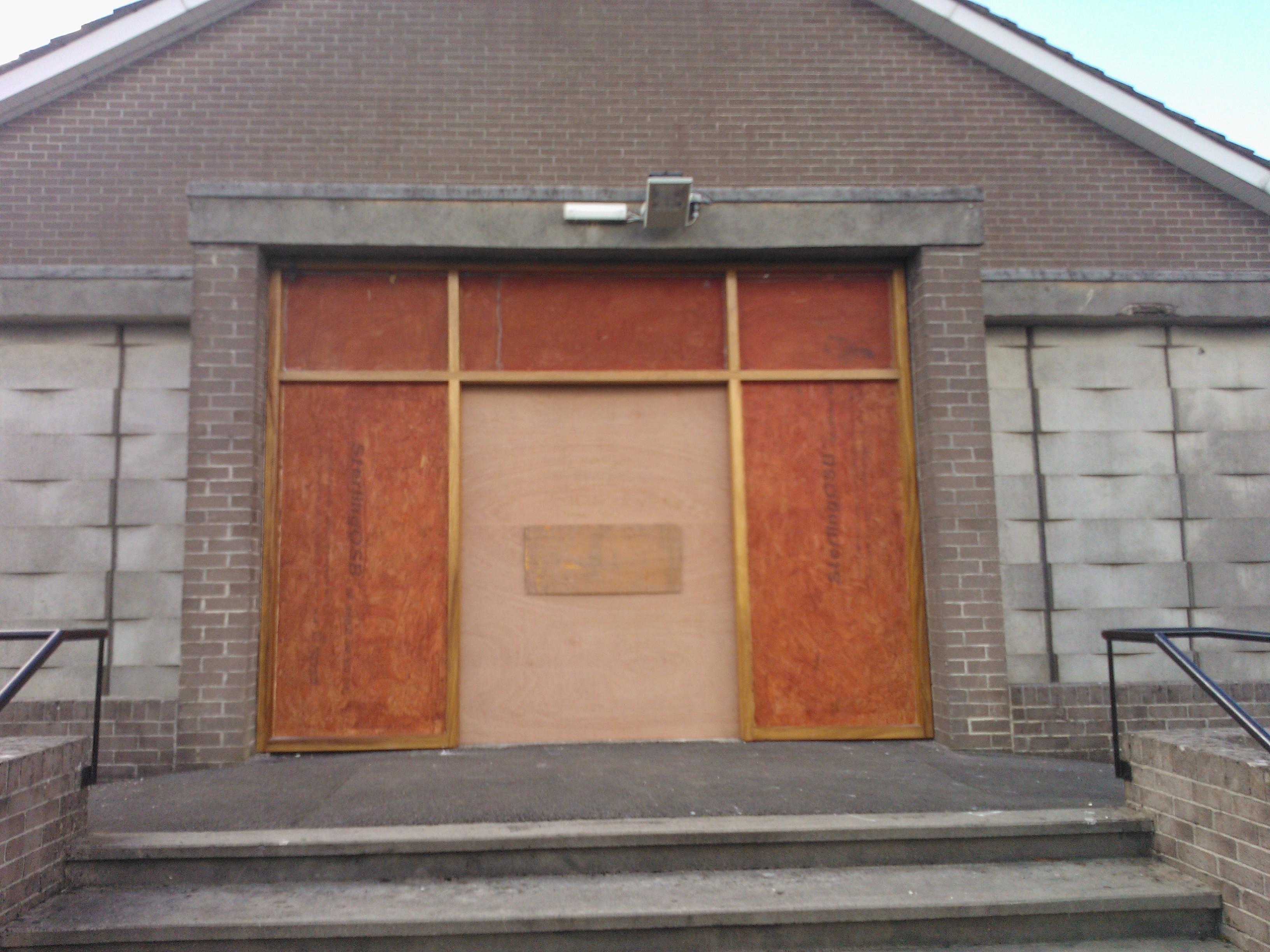 Emergency Boarding Up Derry City Broken Glass Door Glass Boarding Up